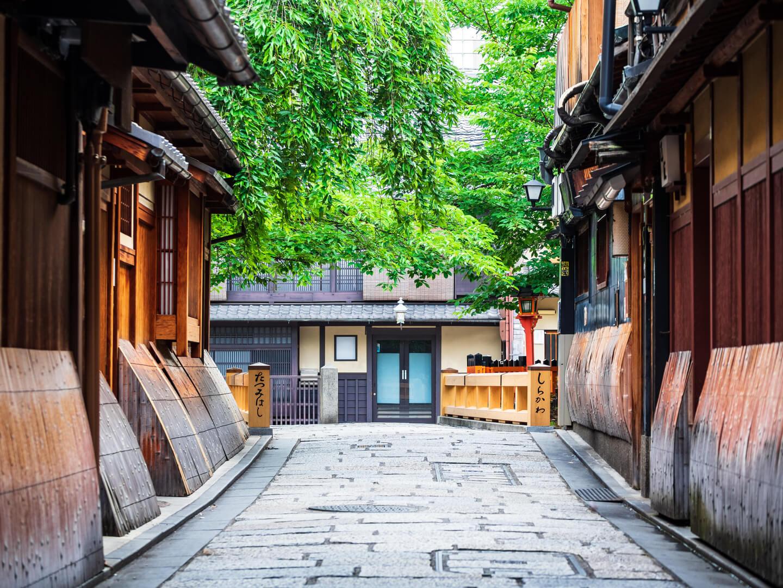 古民家が多い祇園の風景
