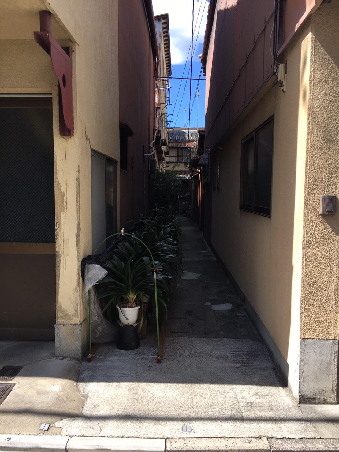 上京区_屋根に穴があいた物件