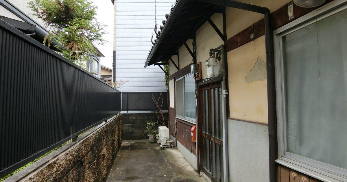 左京区_平家建てで2件繋がっている物件(築年数不詳)