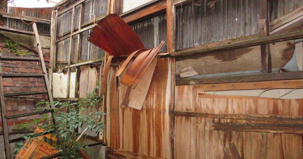 上京区_屋根のない廃屋
