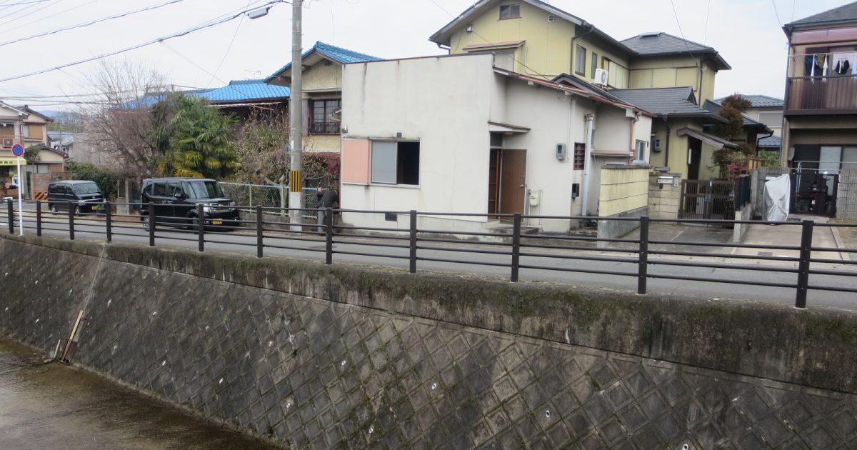 左京区_川に面した物件